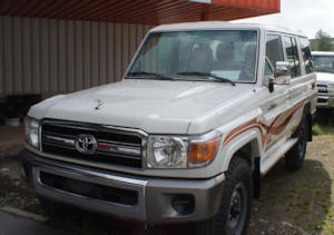 Toyota Land Cruiser Hardtop 10 places